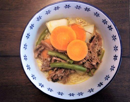 Estofado de Carne Deshilachada con Papas, Zanahoria y Vainicas